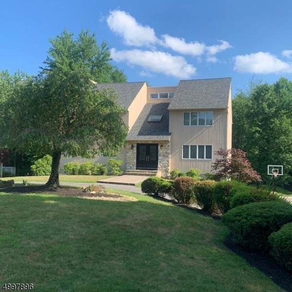 52 Hillcrest Blvd, Warren Twp., NJ 07059 (MLS #3648016) :: Weichert Realtors