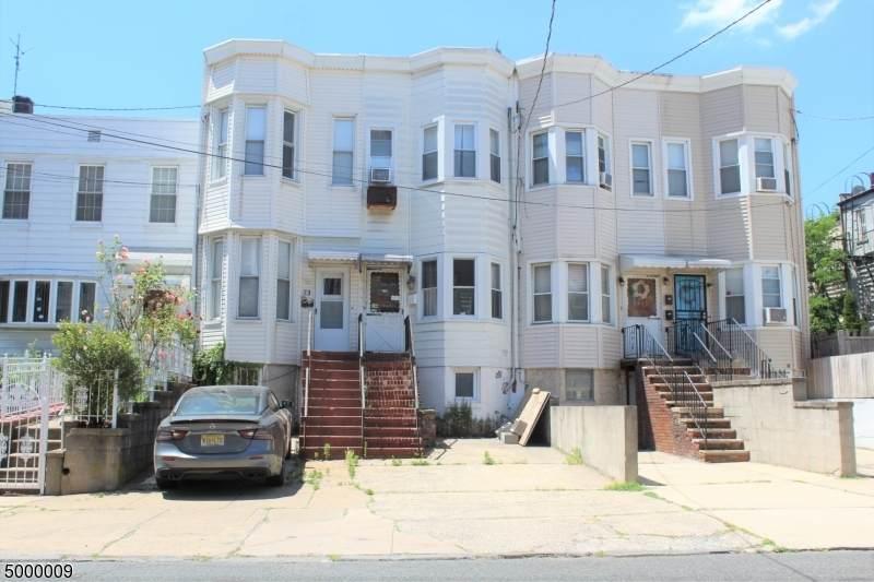 73 Baldwin Ave - Photo 1