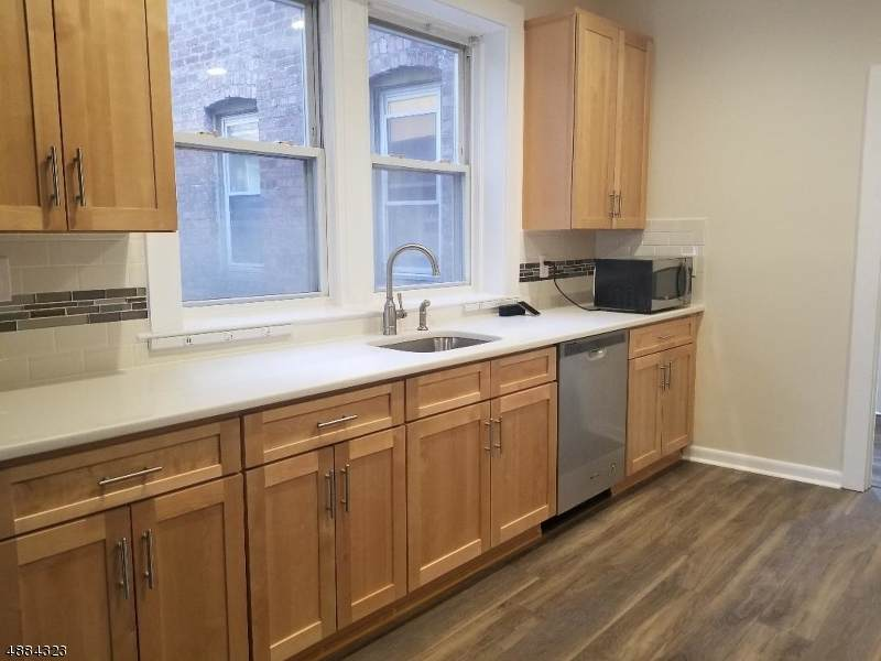 319 Bloomfield Ave - Photo 1