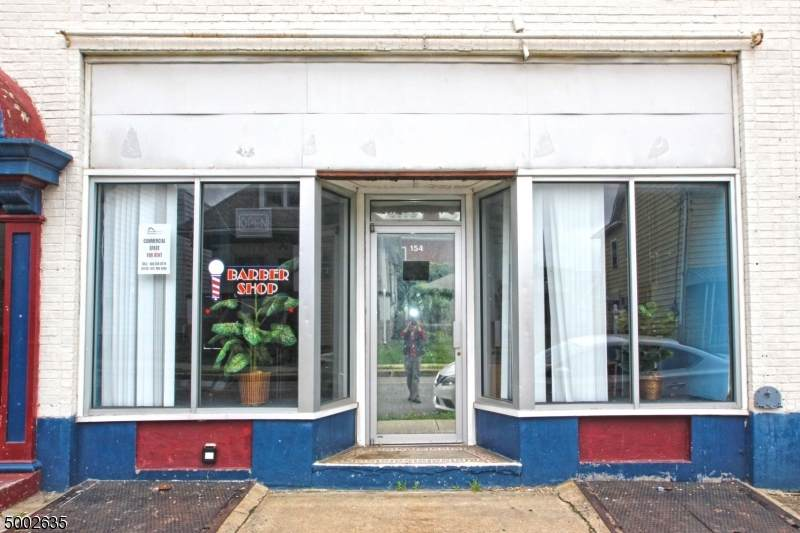 154 Hudson St (Barber Shop) - Photo 1