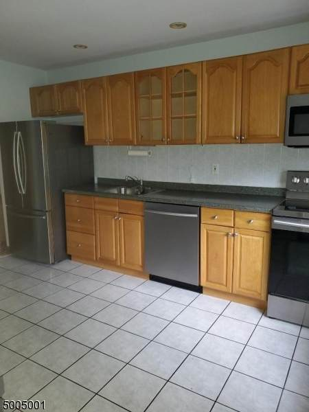 86 Troy Dr Bldg 17 B, Springfield Twp., NJ 07081 (MLS #3654091) :: The Dekanski Home Selling Team