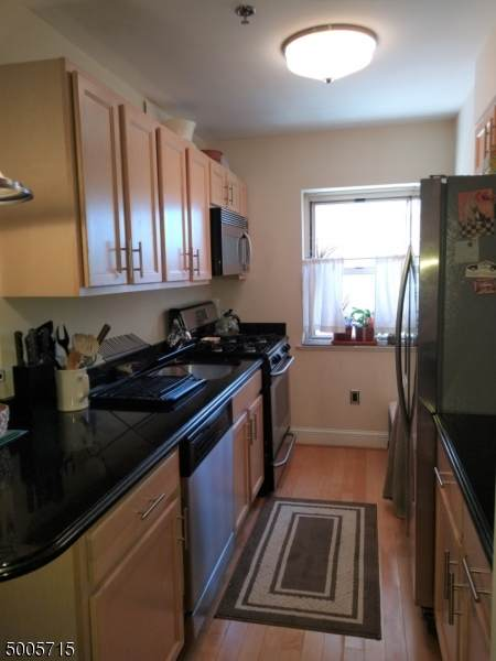 70 S Munn Ave Unit 210 #210, East Orange City, NJ 07018 (MLS #3654367) :: Coldwell Banker Residential Brokerage