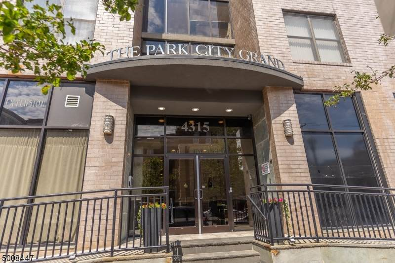 4315 Park Ave - Photo 1