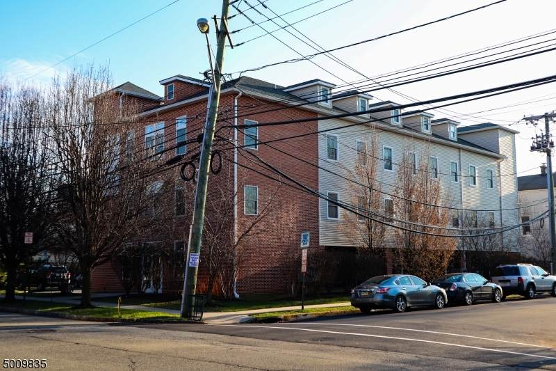15 Newark Ave - Photo 1