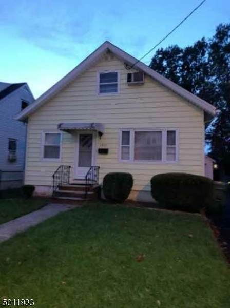 1711 Essex Ave, Linden City, NJ 07036 (MLS #3659977) :: The Karen W. Peters Group at Coldwell Banker Realty