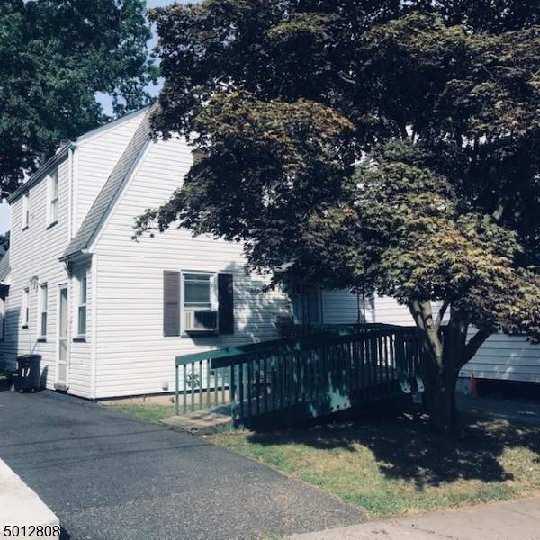 11 Glennon Pl, West Orange Twp., NJ 07052 (MLS #3661015) :: The Karen W. Peters Group at Coldwell Banker Realty