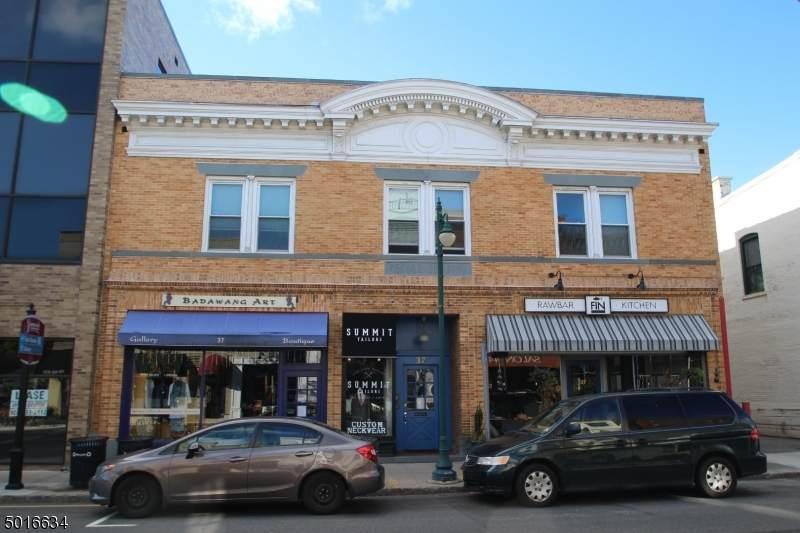 37 Maple St, Unit 4B - Photo 1