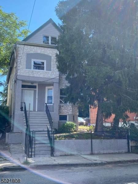 162 Maple Ave - Photo 1