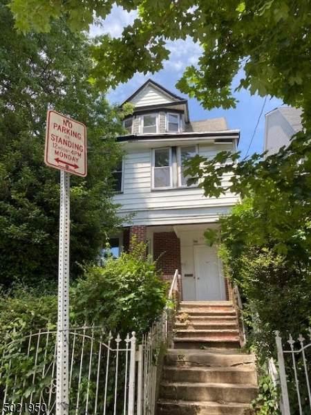 33 Seymour Ave - Photo 1