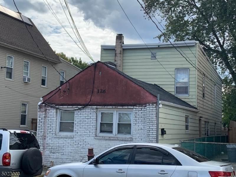 126 Carlisle Ave - Photo 1