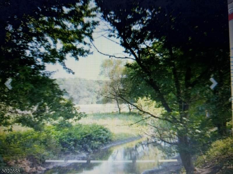 39 Mill Pond Rd - Photo 1