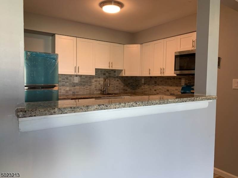 808 Eves Dr 1B - Photo 1