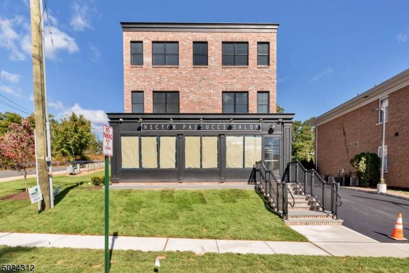 812 W South Ave - Photo 1