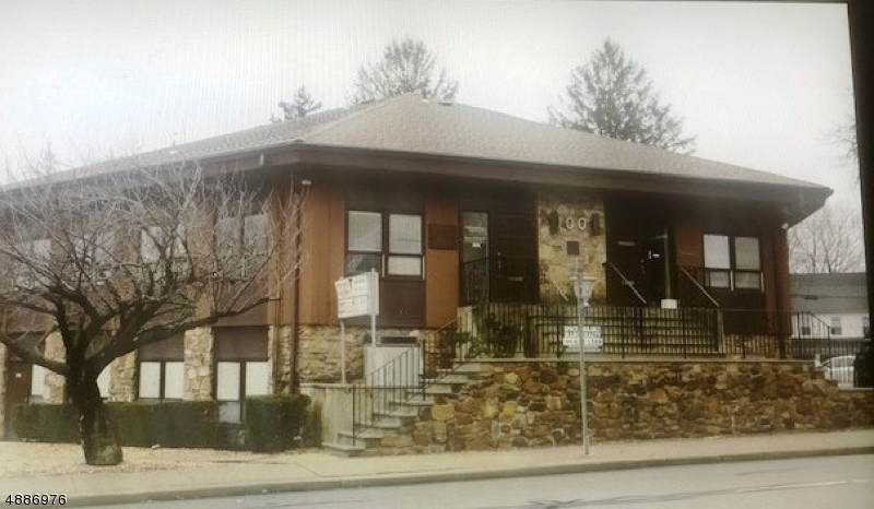 100 Northfield Ave - Photo 1