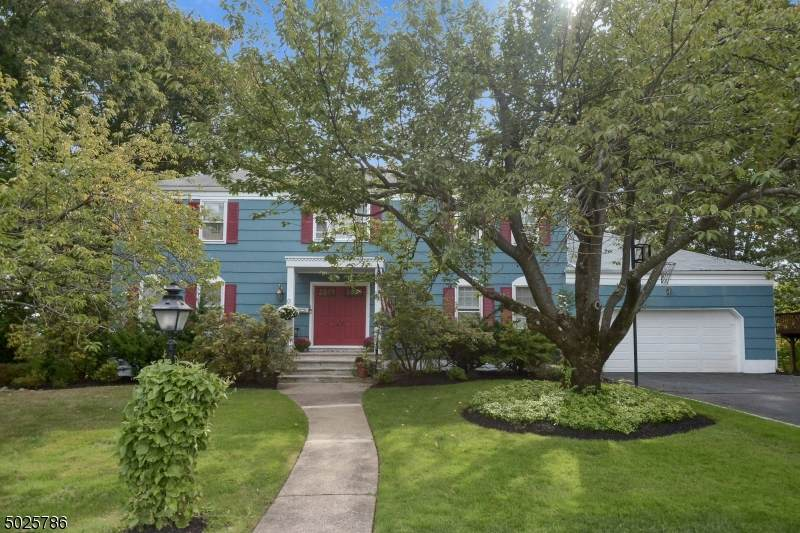 19 Powell Dr - Photo 1