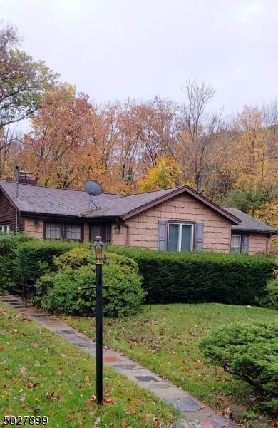 105 Silver Fox Trl, Hardyston Twp., NJ 07460 (MLS #3674427) :: Mary K. Sheeran Team