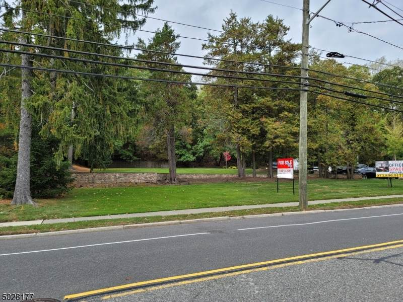 106 Fairview Ave - Photo 1