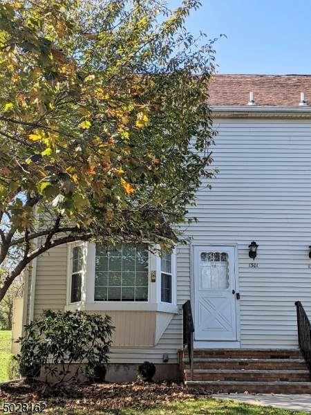1301 Baneberry Ct, Raritan Twp., NJ 08822 (MLS #3674935) :: Team Cash @ KW