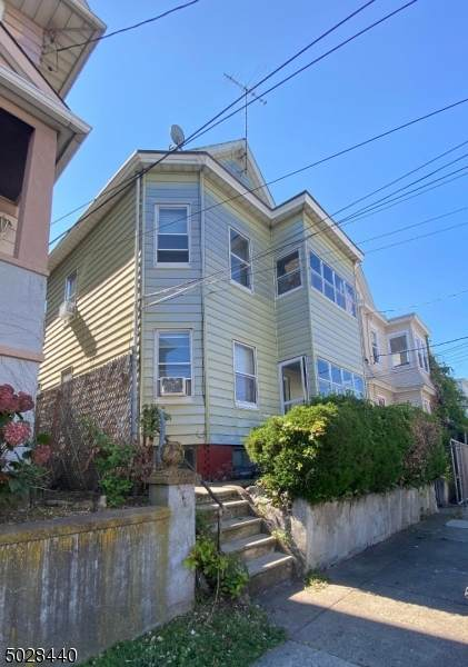 268 Pacific St, Paterson City, NJ 07503 (MLS #3675018) :: REMAX Platinum