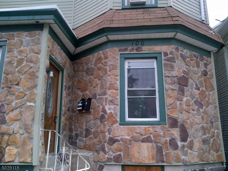 100 Albion Ave - Photo 1