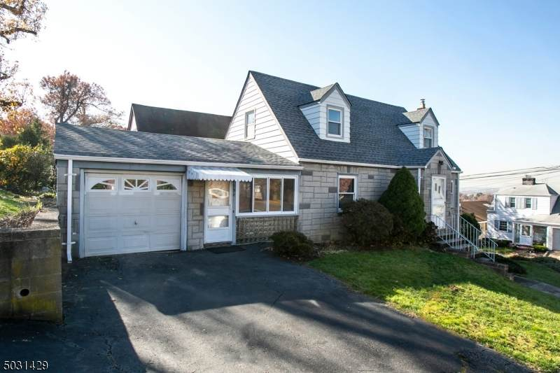 554 Victory Ave - Photo 1