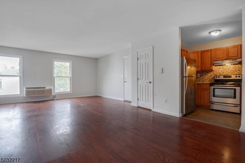 15 Forest St - Photo 1