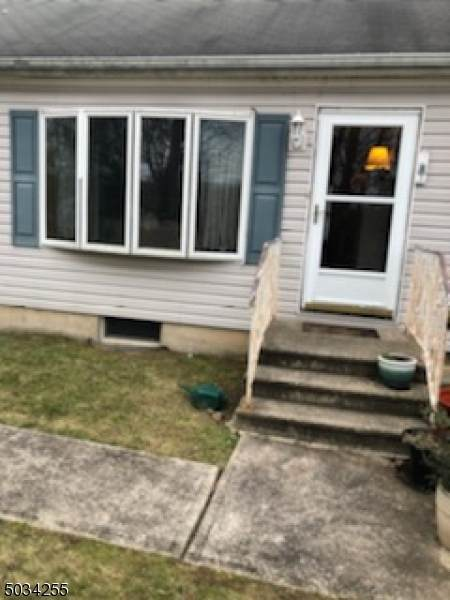 28 Rockridge Rd, Wanaque Boro, NJ 07420 (MLS #3680416) :: The Karen W. Peters Group at Coldwell Banker Realty
