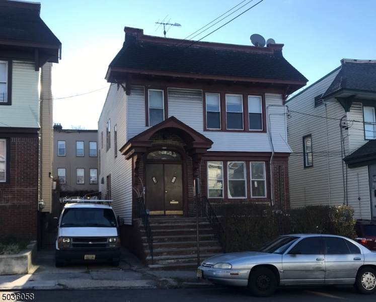 713 18TH AVE - Photo 1