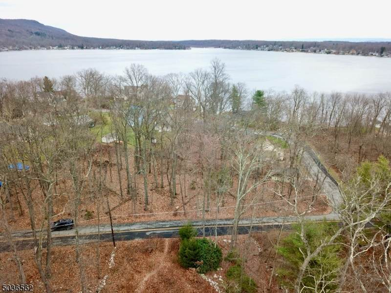 64 Lakeview Point Ave - Photo 1