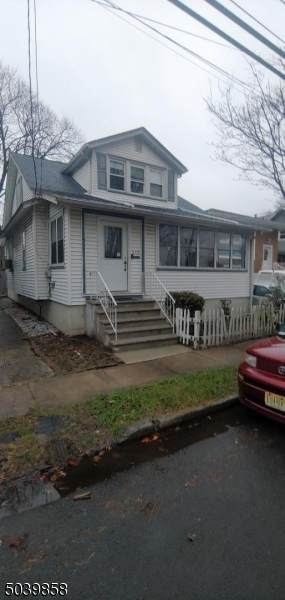 549 Harvard Ave - Photo 1