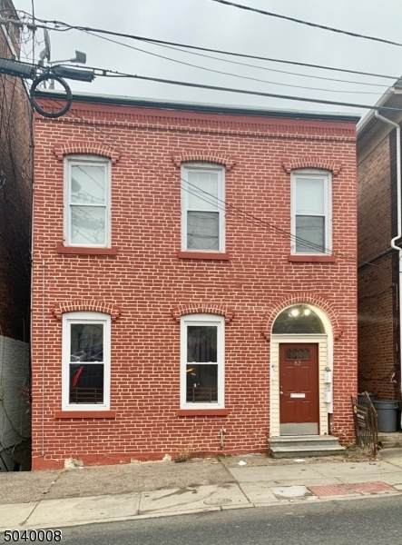 82 Front St - Photo 1
