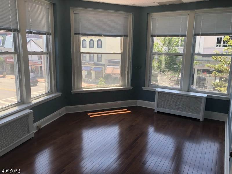 605 Bloomfield Ave - Photo 1