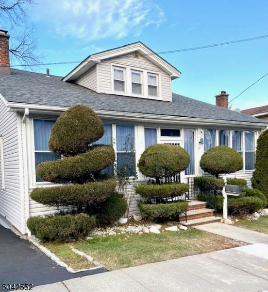 17 Park Dr North, West Orange Twp., NJ 07052 (MLS #3687378) :: William Raveis Baer & McIntosh