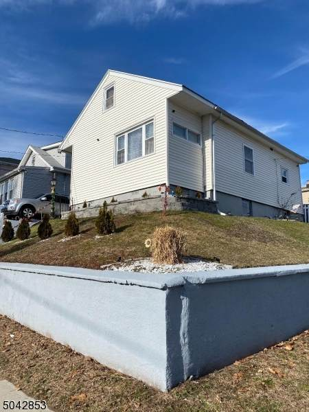 379 5TH AVE, Paterson City, NJ 07514 (MLS #3687601) :: SR Real Estate Group