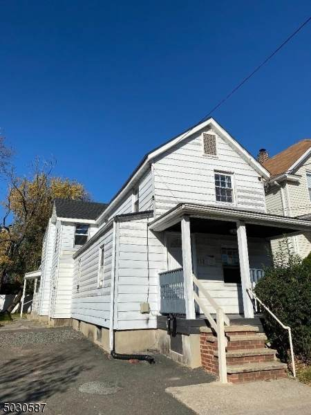 172 Monroe St, Rahway City, NJ 07065 (MLS #3687793) :: The Dekanski Home Selling Team