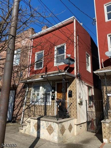 204 Chestnut St, Newark City, NJ 07105 (MLS #3688570) :: Gold Standard Realty
