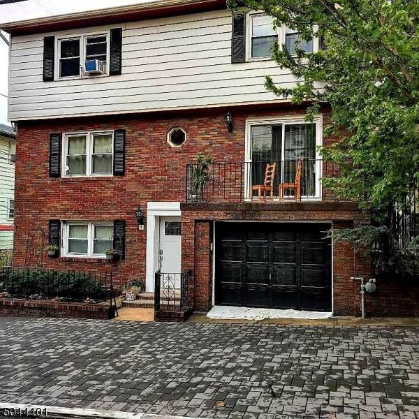 9 65TH ST, West New York Town, NJ 07093 (MLS #3688698) :: The Sikora Group