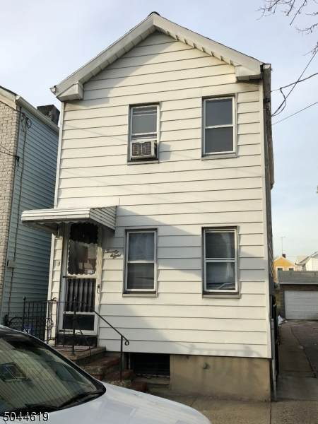 28 Gotthardt St, Newark City, NJ 07105 (#3689232) :: NJJoe Group at Keller Williams Park Views Realty