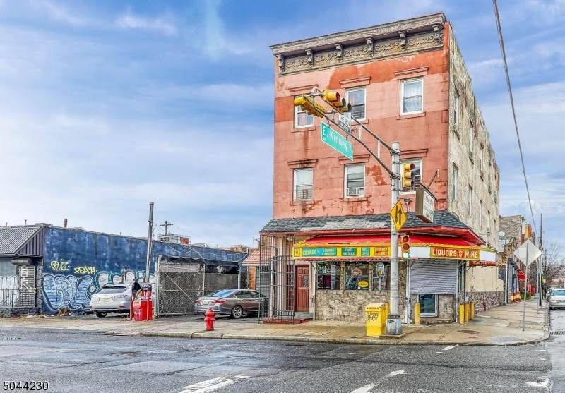 327 Mulberry St - Photo 1