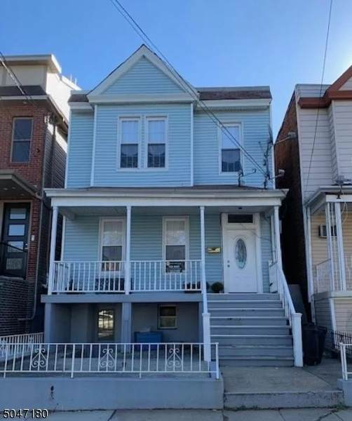 84 Nelson Ave - Photo 1