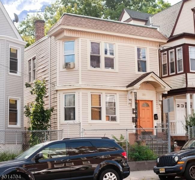 380 Sandford Ave - Photo 1