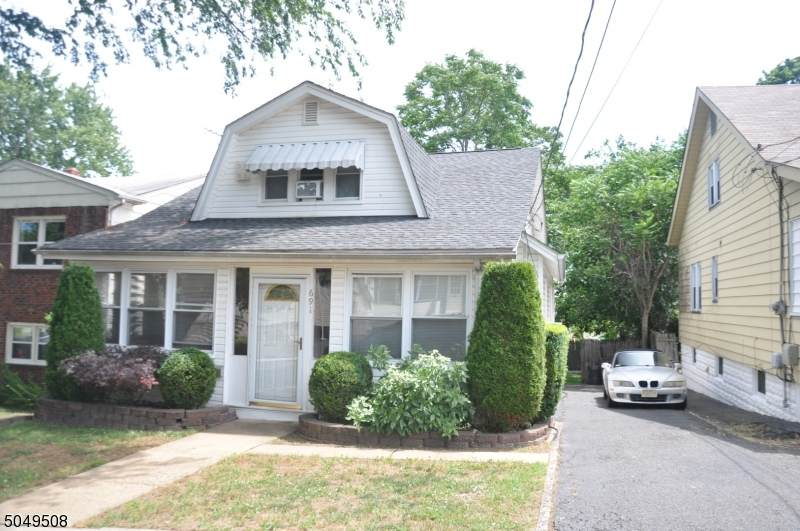 691 Carlyle Pl - Photo 1