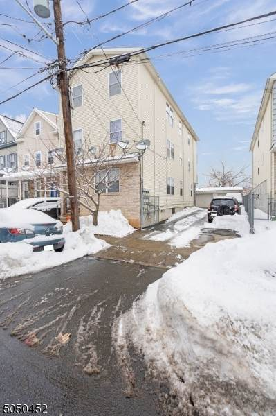 615 Fulton St, Elizabeth City, NJ 07206 (MLS #3694085) :: SR Real Estate Group
