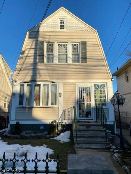 945 Cross Ave, Elizabeth City, NJ 07208 (MLS #3694932) :: SR Real Estate Group