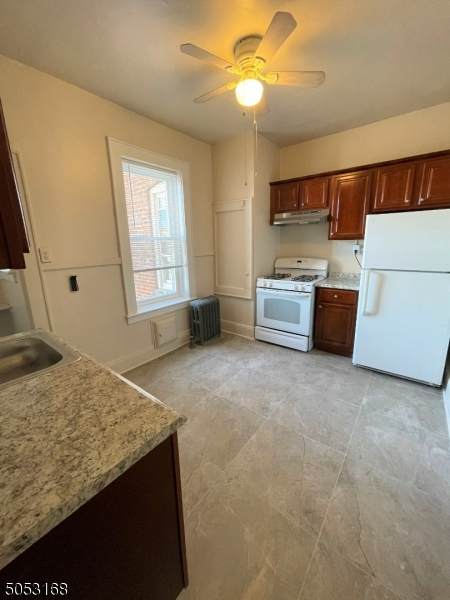 412 Bloomfield Ave - Photo 1