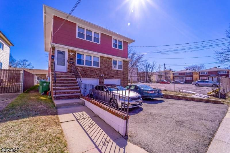 1210 Middlesex St - Photo 1