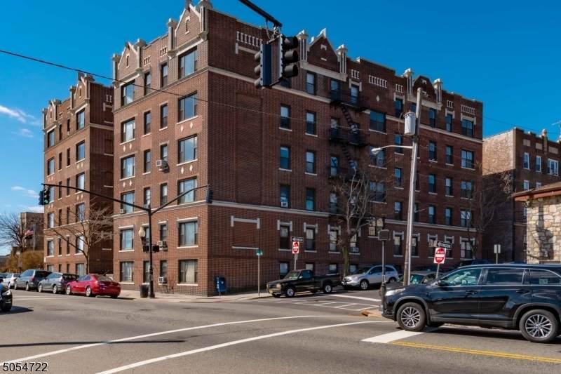 1055 Boulevard - Photo 1