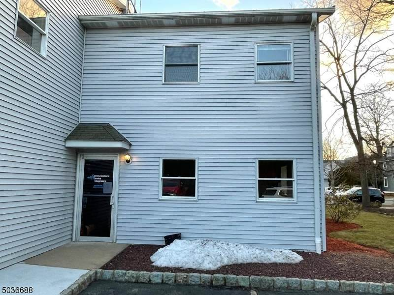 45 Perry St - Photo 1