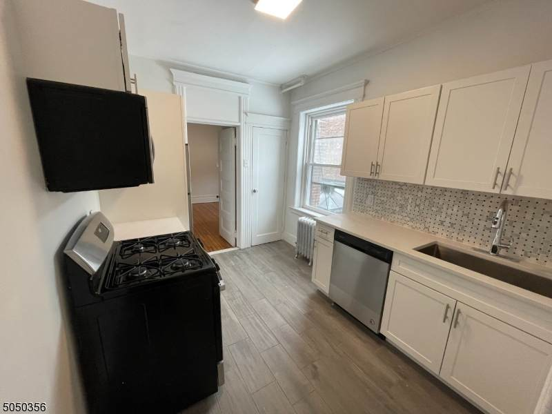 570 Bloomfield Ave - Photo 1