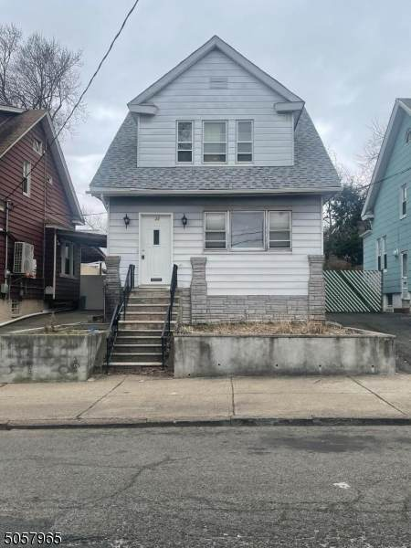 25 Neptune Ave, Jersey City, NJ 07305 (MLS #3700394) :: SR Real Estate Group